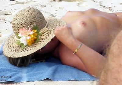 Pic #5 - Mary      Ann on the Beach