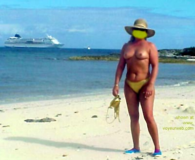 Pic #1 - Mary      Ann on the Beach 3