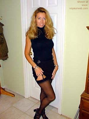 Pic #1 - Blond      Wife in Black