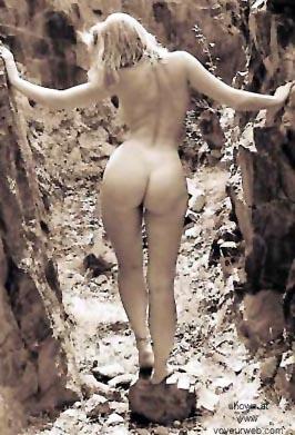 Pic #7 - Shawna      on the Rocks