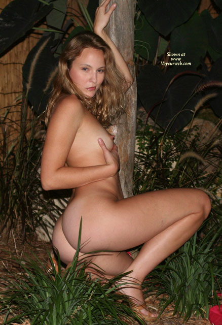 Naked Girl Outdoors - September, 2006 - Voyeur Web Hall Of -2495