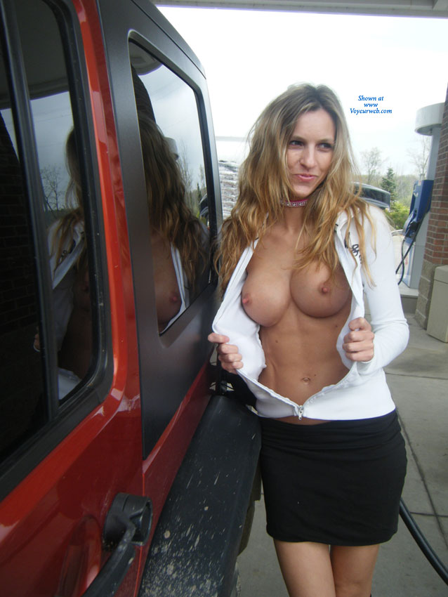 Pic #2 - Nude Girlfriend: Foreclosed Home/ Gas Station - Nude Girlfriends