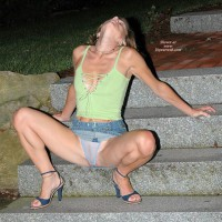 Hotwife Genevieve On The Front Stairs For Vw