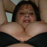 Topless Wife:Expose Wife - Topless Wives