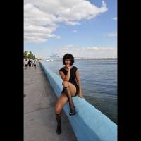 Pantieless Girl:Walk Along The Promenade