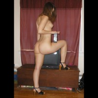 Nude Amateur:For The Tv Lovers!