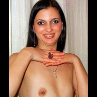 Topless Friend: Valery Flowing 100% Free Plastic - Topless Friends