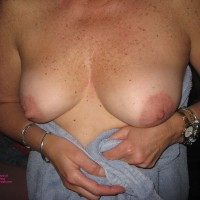 Topless Wife:Wife Flashing Tits - Topless Wives, Flashing Tits
