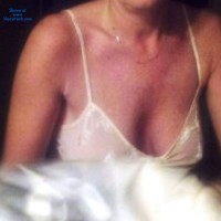 Topless Wife:Nude Wife Showing Her 44 Y/o Body - Topless Wives