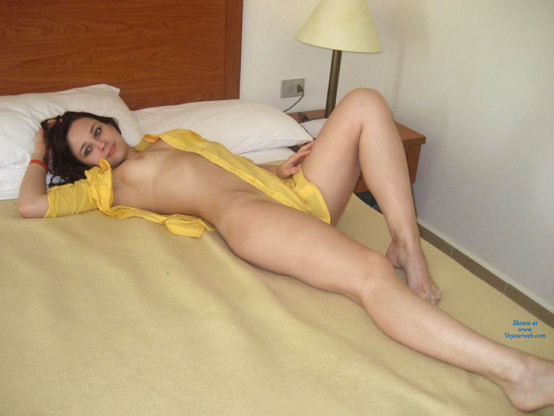 Amateurs naked in hotel
