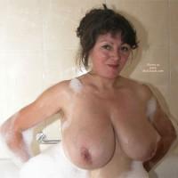 Exhibitionnist Latina Slutwife (2) Bath