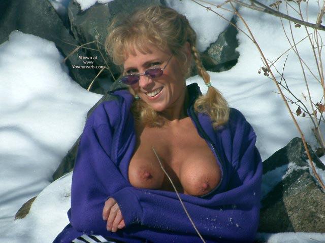 Pic #1 - Sunglasses - Erect Nipples, Flashing Tits, Sunglasses , Sunglasses, Flashing Tits, Erected Nipples, Mature Tits, Winter Shot