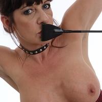 Kinky Dee - Big Tits, Brunette, Close-Ups, Dressed, High Heels Amateurs, Lingerie