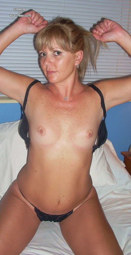 Miss Isabelle MILF , Been A While Since Last Contri And Now In Different State. Still Love To Tease The Boys But Now They Are Cowboys. Not A Goddess But Think A Pretty Good MILF. Let Me Know What U Think, And Be Nice!