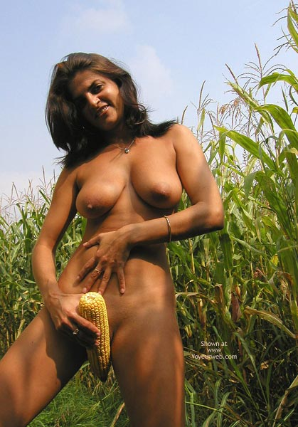 Pic #9 - Vanessa : The Field Of Corn