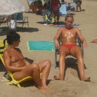Amigas - Beach