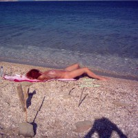 Nude In Grece