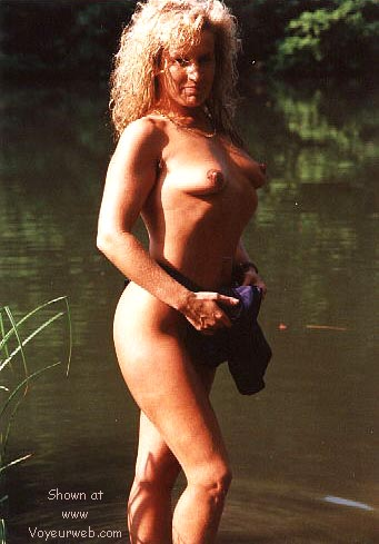 Pic #8 - Candy's first nudes at the fishing pond >2<
