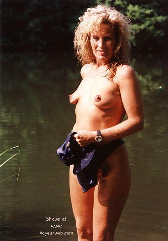 Pic #9 - Candy's first nudes at the fishing pond >2<