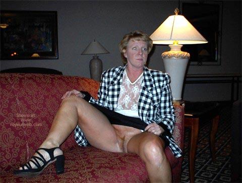 Pic #6 - Rhonda Flashing In Hotel Lobby