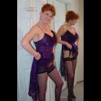 Sandy - Redheaded Spread Pussy M.I.L.F.