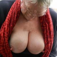 Medium tits of my wife - Retro