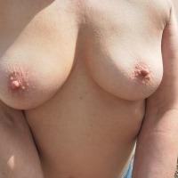 Medium tits of my wife - Mamasan
