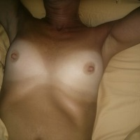 Small tits of my wife - Rae
