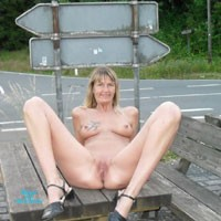 Regi Nackt in Der Öffentlichkeit - Big Tits, Blonde, Public Exhibitionist, Public Place