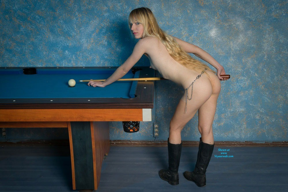 Pic #1 - Billard - Blonde Hair , I Found An Old Billard Table And Gave It A Try