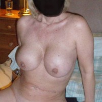 Very large tits of my wife - Blondie