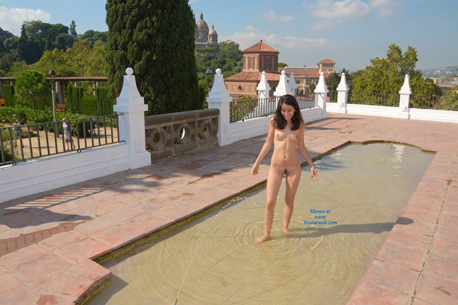 Pic #7 The Fountain - Brunette, Public Exhibitionist, Public Place