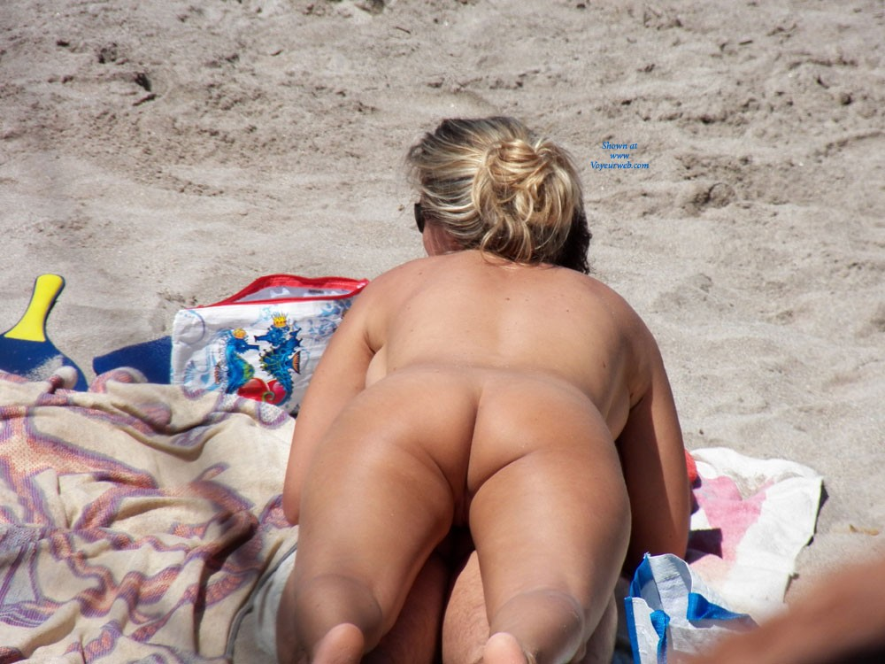 Pic #1 - En la Playa 2 - Beach Voyeur