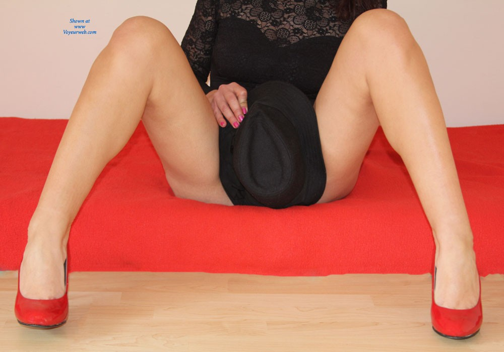 Pic #3 - Red And Black - High Heels Amateurs