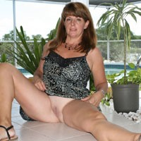 Hot Wife - Shaved, Wife/Wives