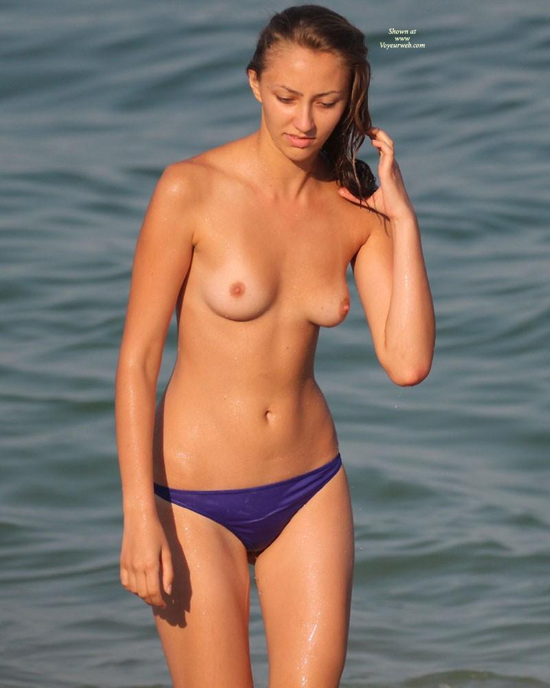 Voyeur Topless 106