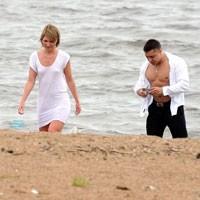 Couples in Focus - Beach Voyeur
