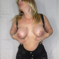 Large tits of my wife - Loulou