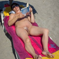 Reading - Beach, Brunette
