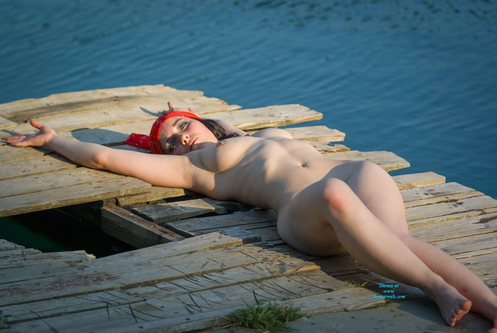 Sea Shelf - Big Tits, Redhead, Beach Voyeur , Some Pictures Of Mary An A Seashelf. Hope You Enjoy This Pistures.