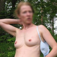 Cathy Stark Naked In The Forest - Cathy Nue Dans La Foret.