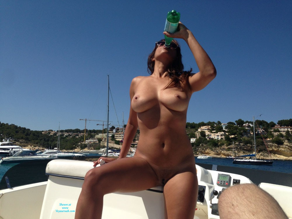Naked Girls Flashing Their Naked Tits Photos