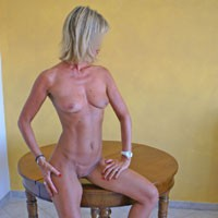 Sun Burnt - High Heels Amateurs, Blonde, MILF, Pussy, Shaved, Small Tits, Wife/Wives
