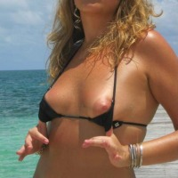 Small tits of my girlfriend - hotwifenew