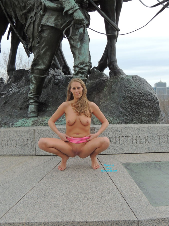 Pic #4 Molly's Statue Pics - Big Tits, Public Place, Blonde, Pussy