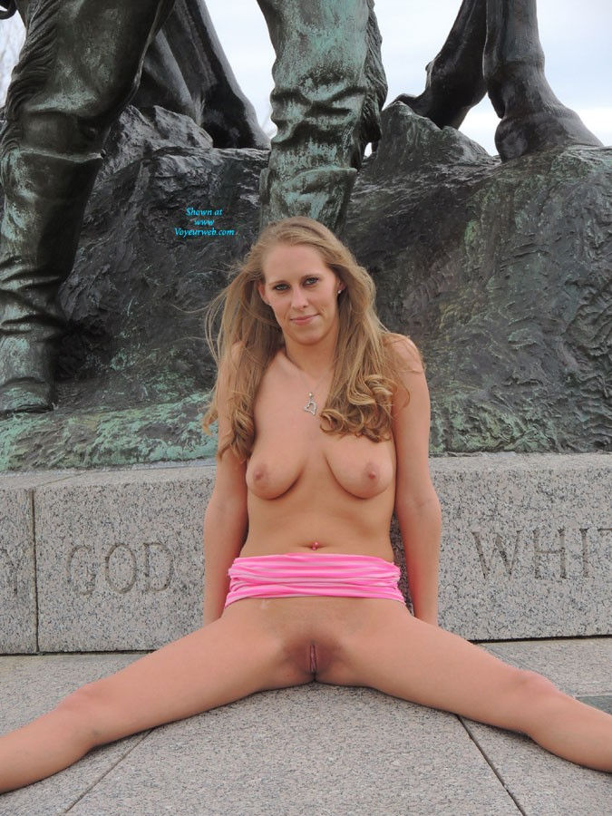 Pic #9 Molly's Statue Pics - Big Tits, Public Place, Blonde, Pussy