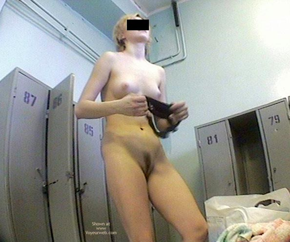 Pic #1 - More Teens In Dress Room