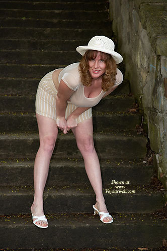 Pic #1 - Lisajane A Walk In The Park 1 , Ya Gotta Love The Warm Weather!