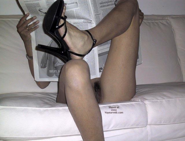 Pic #4 - Mia Moglie Elisa Read The Paper
