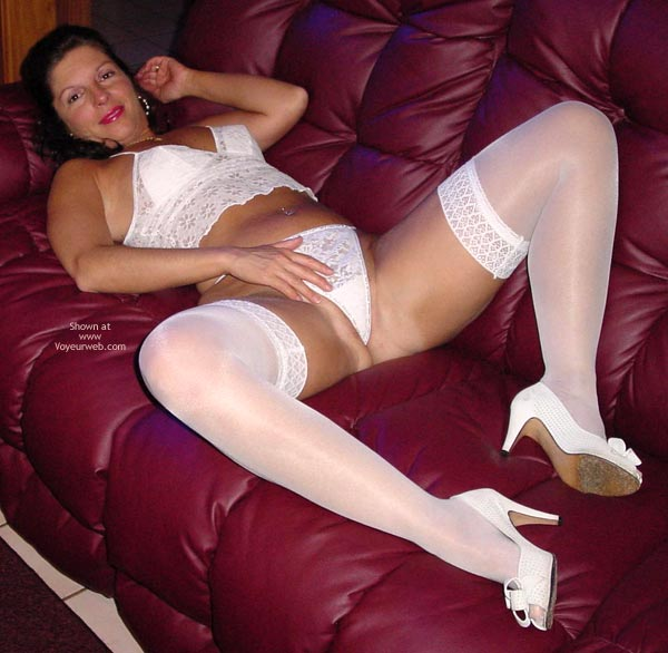 Pic #1 - Mature - Mature, Spread Legs, Stockings, Sexy Lingerie, Mature, White Stockings, White Lingerie, On A Red Couch, White Shoes, Spreading Legs